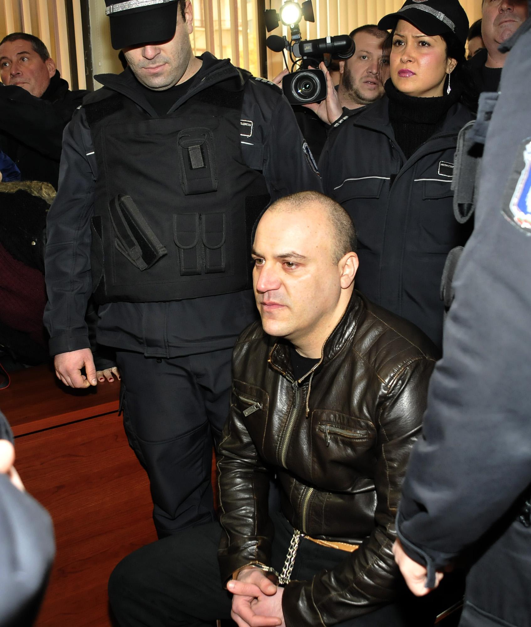 Банковият обирджия от Сливен ще лежи 15 г. в затвор