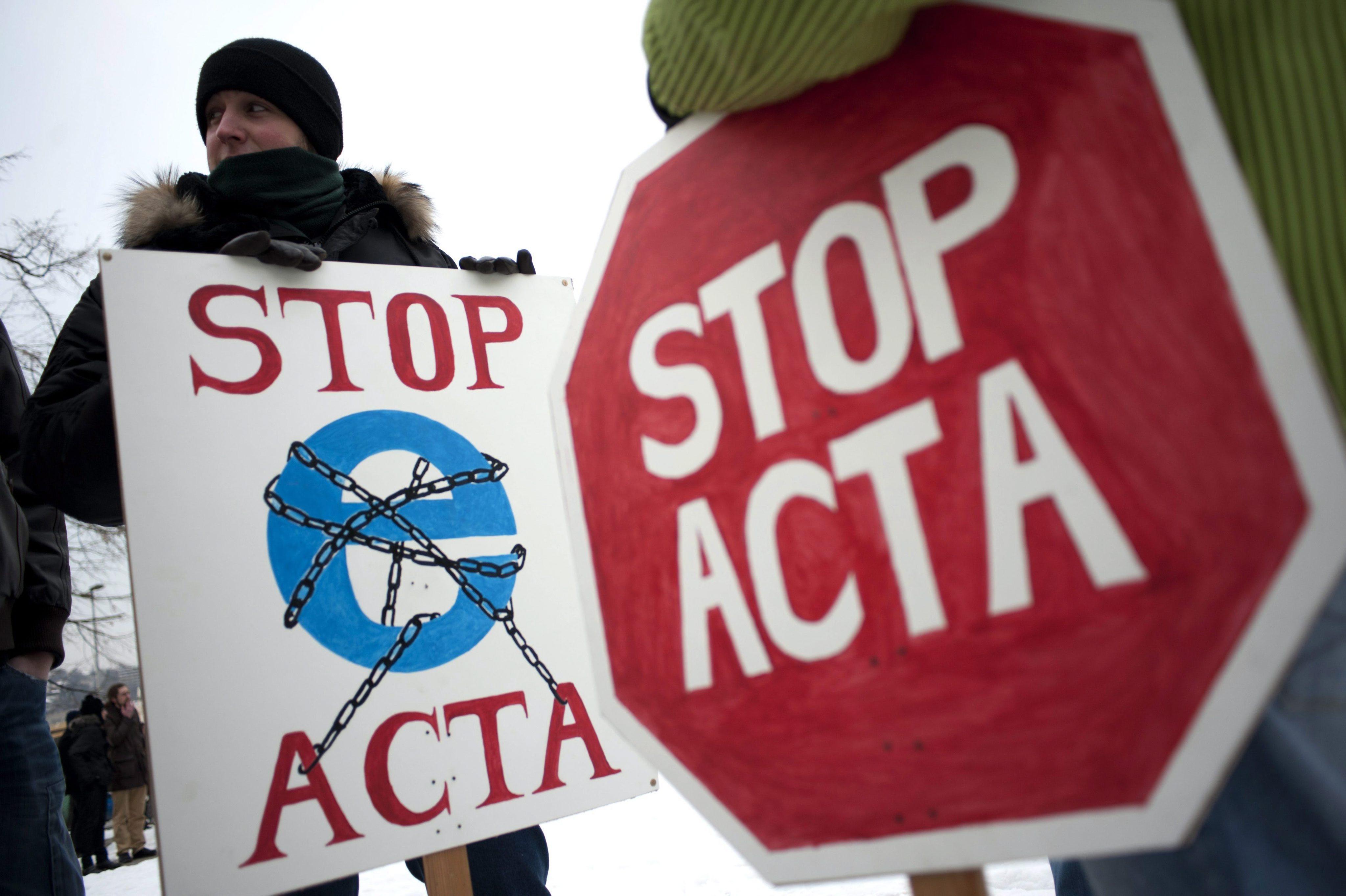 Еврокомисар: ACTA не е Big Brother, пак ще се сваля от интернет