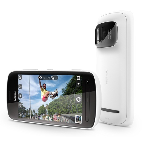 Nokia 808 изуми с 41-мегапикселова камера