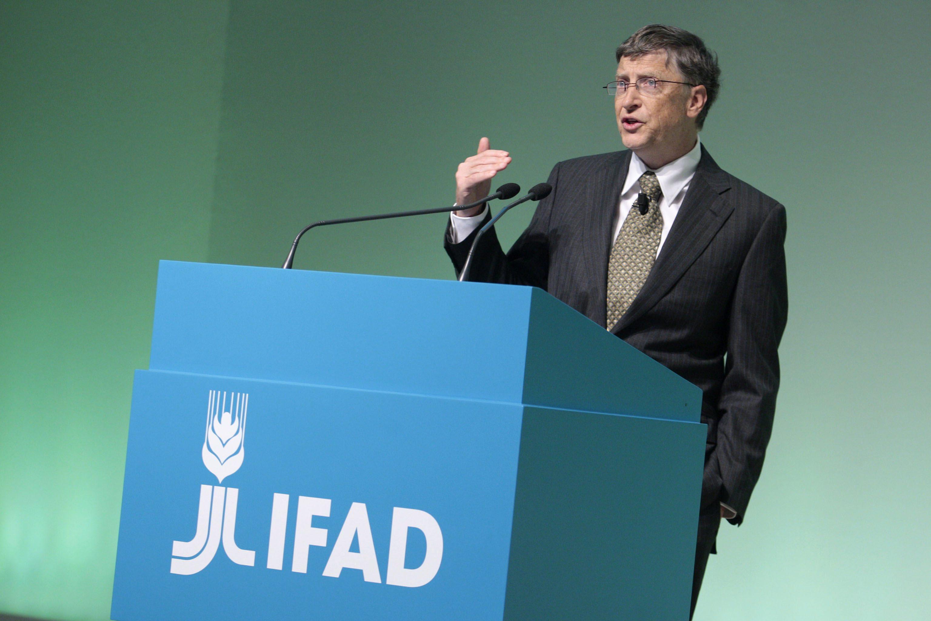 """Бил Гейтс бори глада с """"дигитална революция"""""""