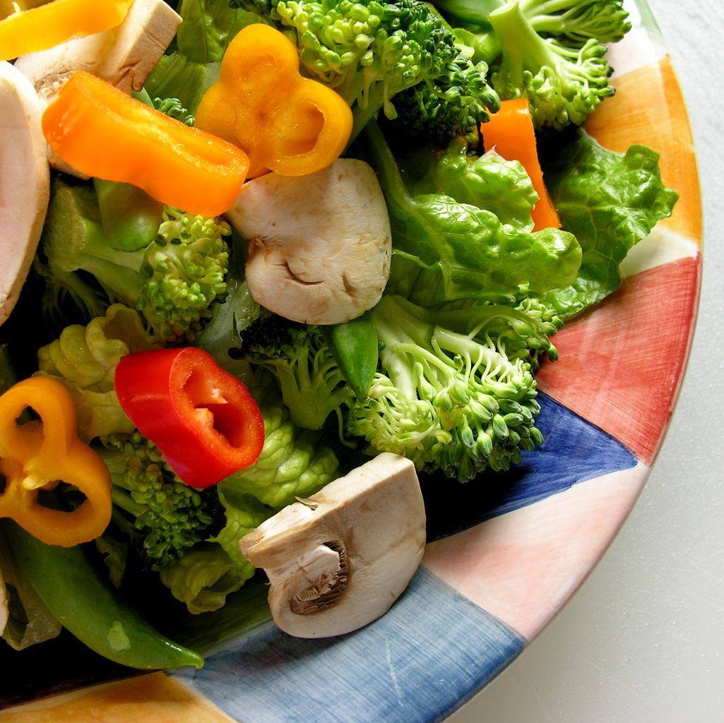 Нискокалоричните салатни сосове не са полезни
