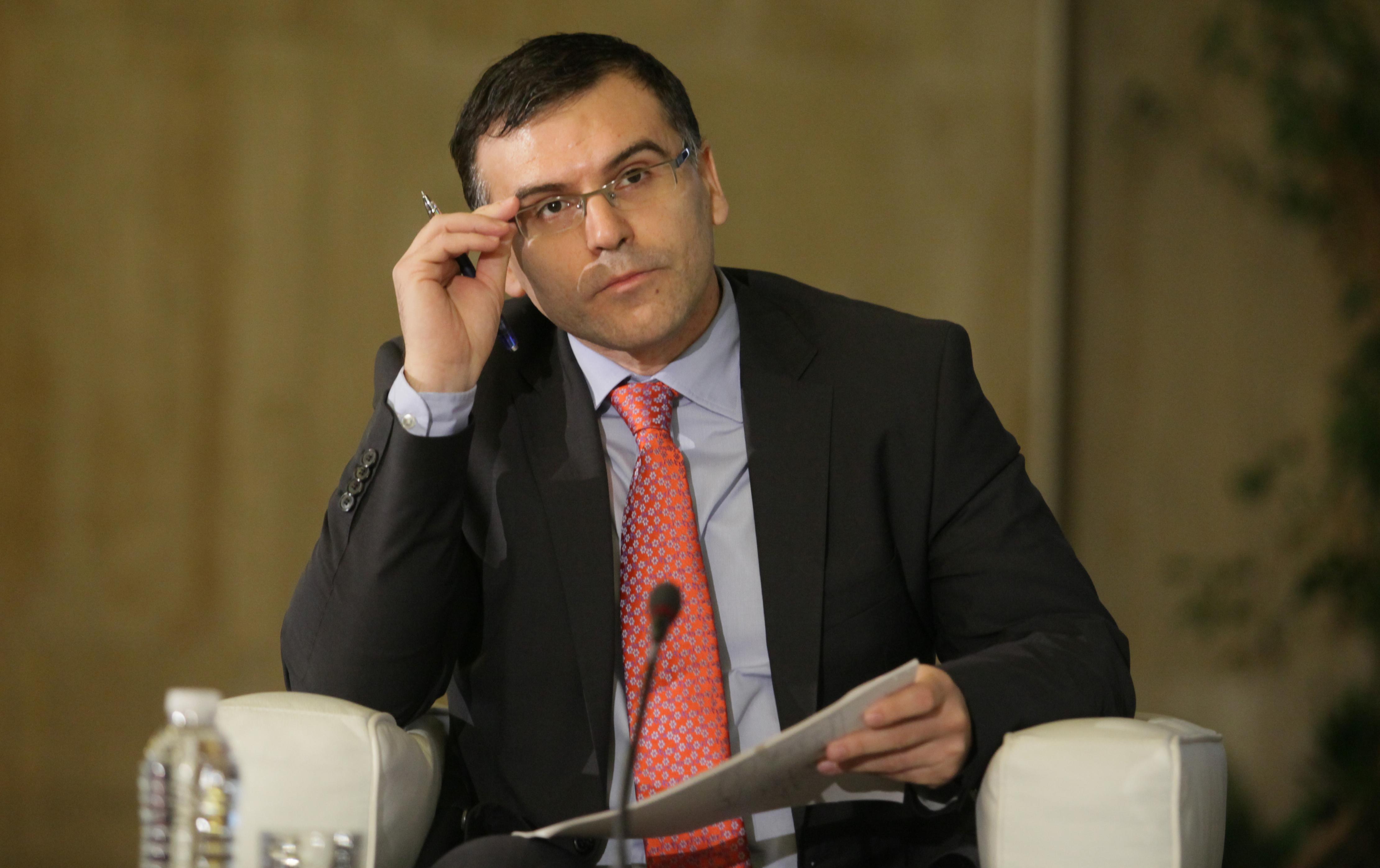 Дянков ревизира растежа до 1.4%, дефицитът остава 1.3%