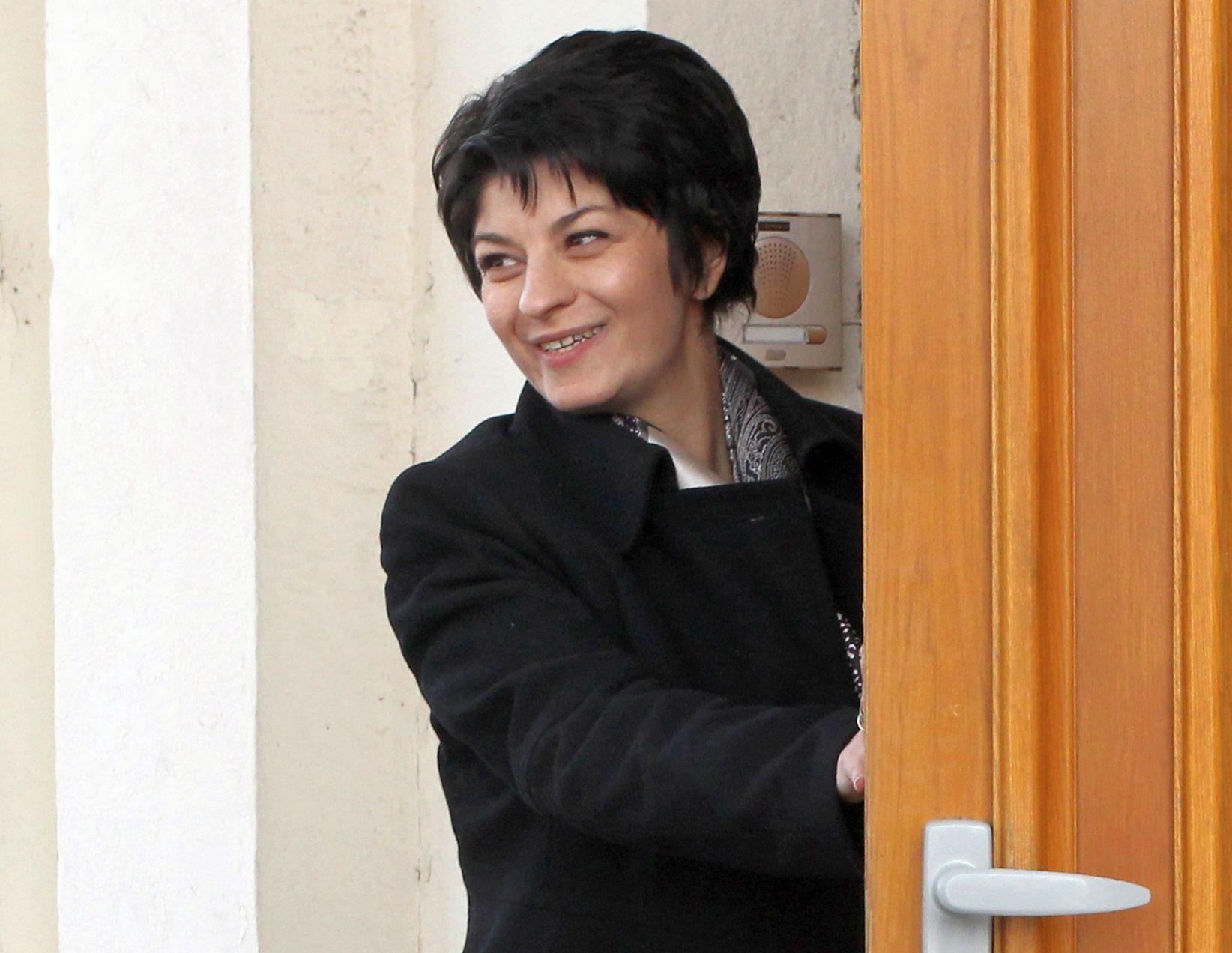Десислава Атанасова е новият здравен министър
