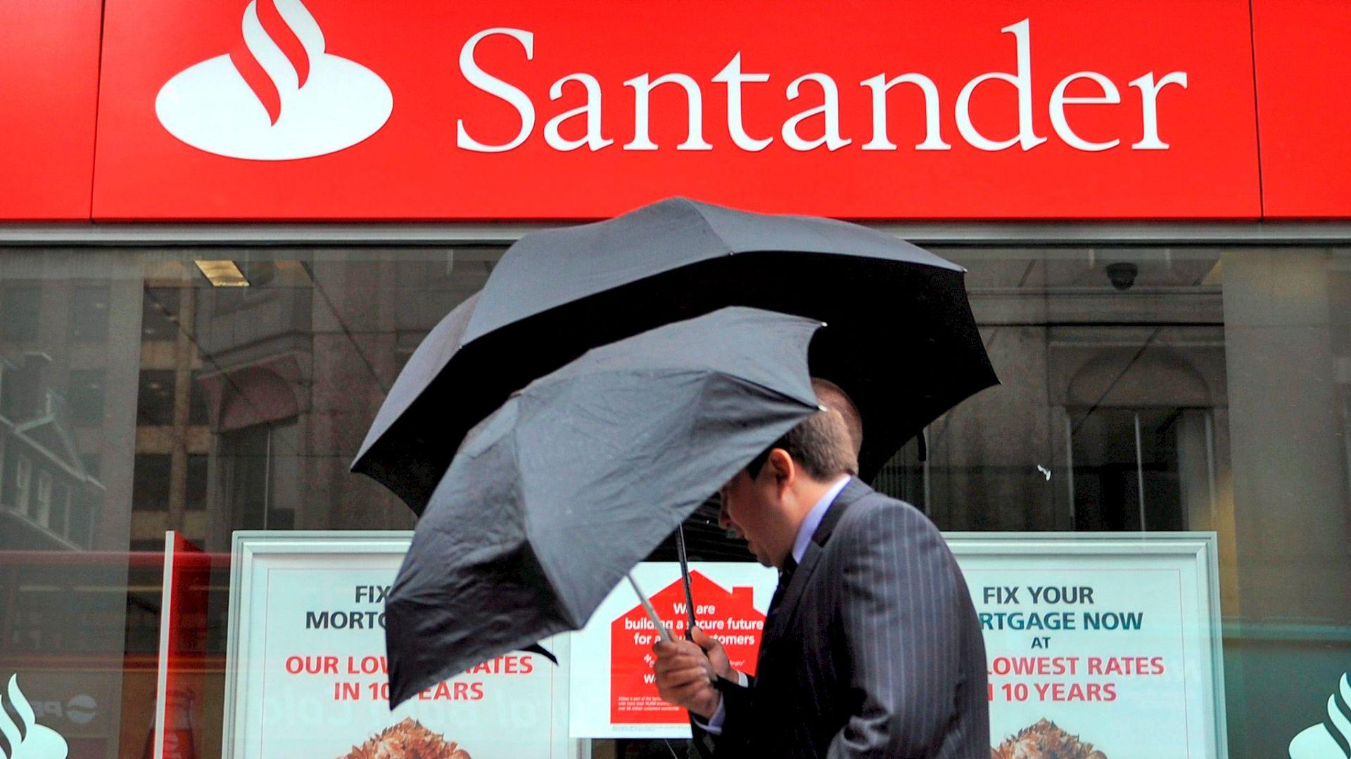 Сантандер и профсъюзите се споразумяха за съкращаването на 3223 работни места в Испания