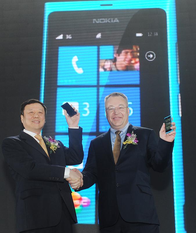 Nokia пуска смартфон Lumia 800C за Китай