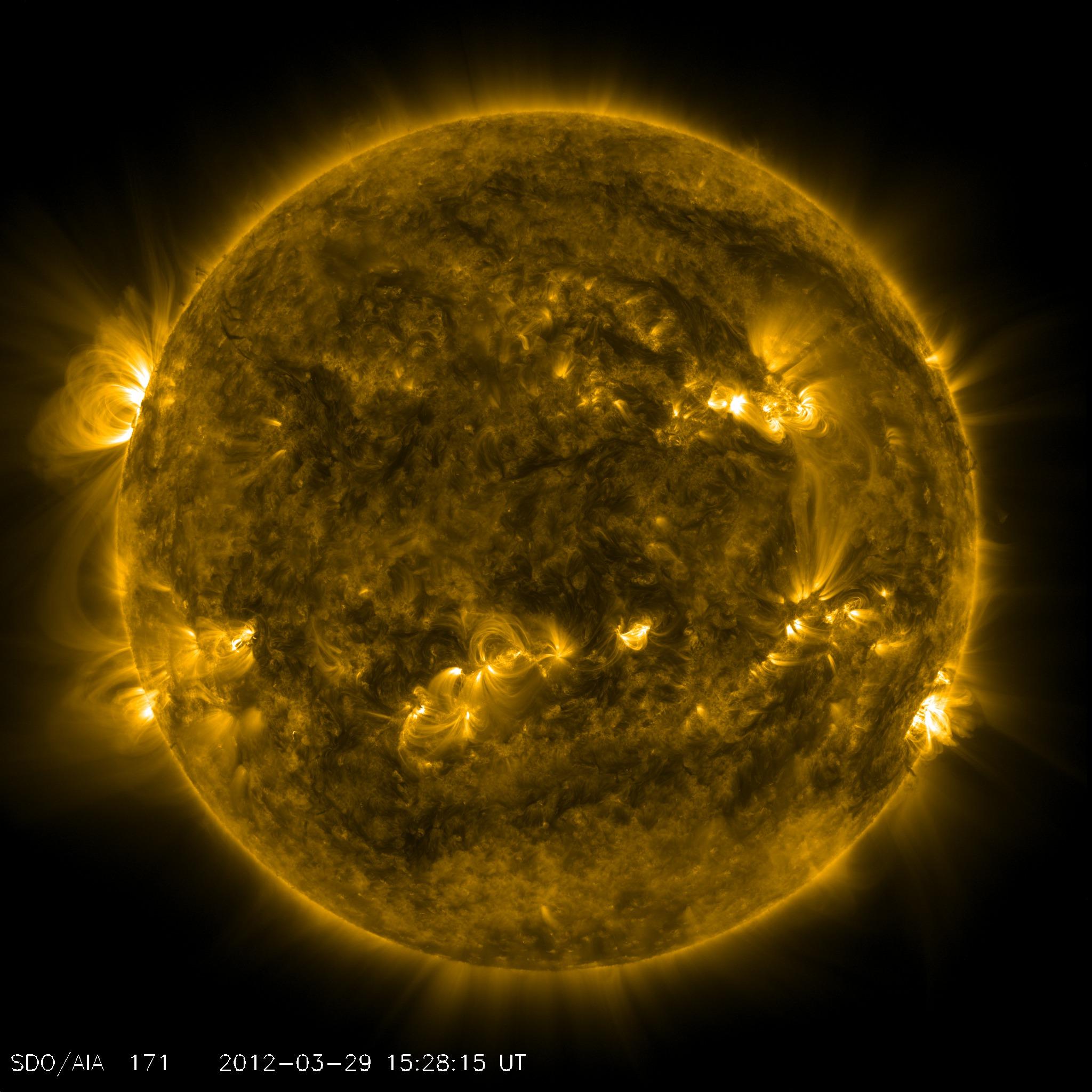 Слънцето продължава да удивлява