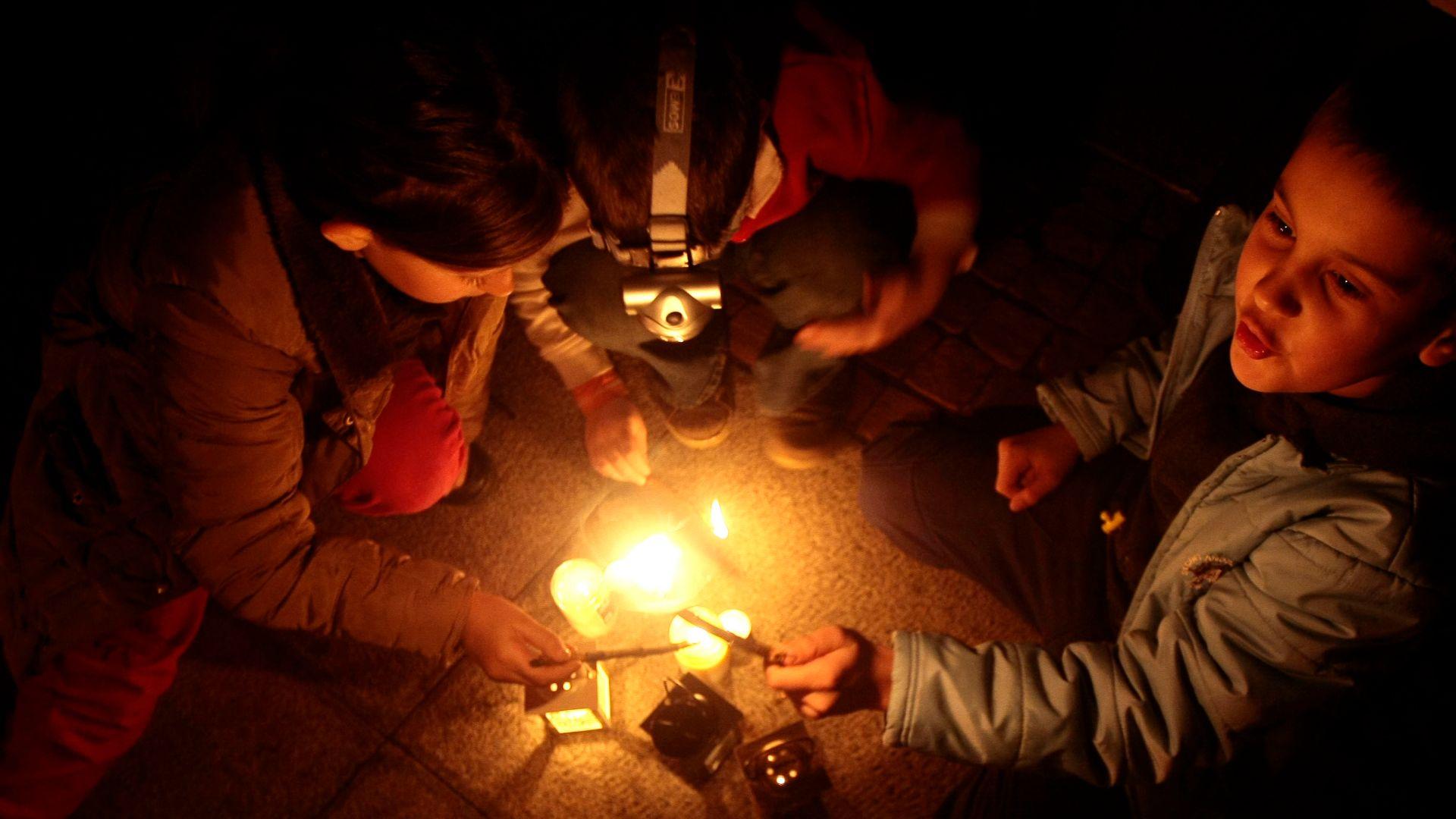 Днес е Часът на Земята, гасим осветлението за час в 20.30ч.