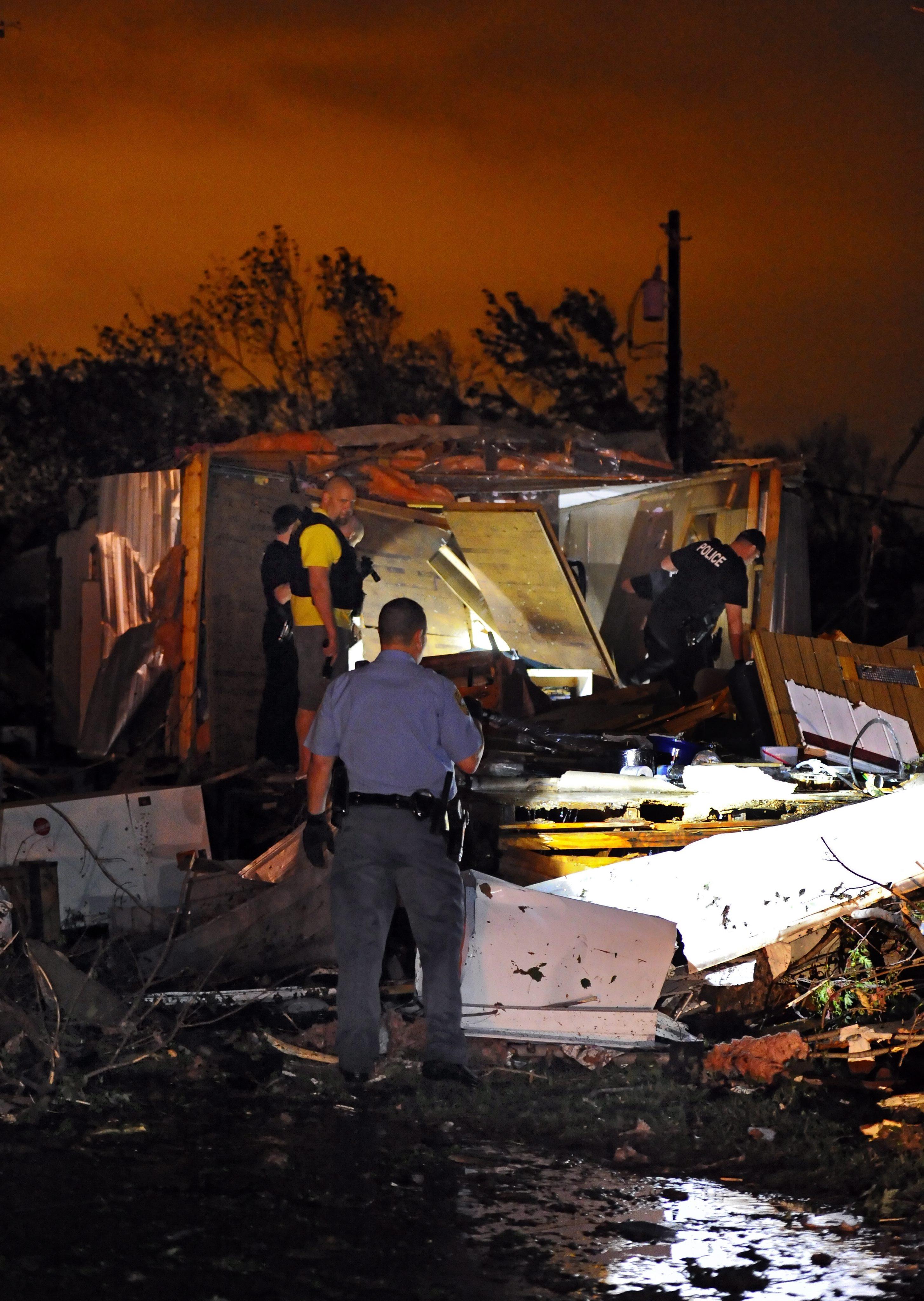 Торнадо уби 5 души в Оклахома, сирените повредени