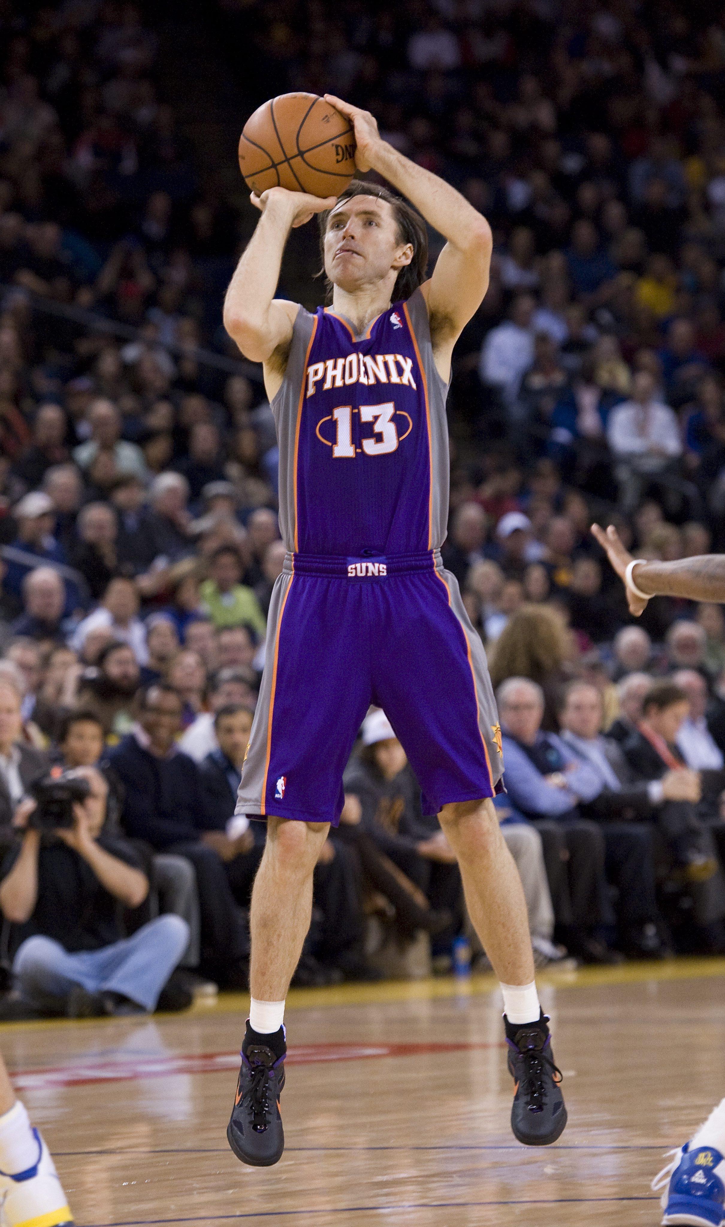 Стив Неш стана пети по асистенции в историята на НБА