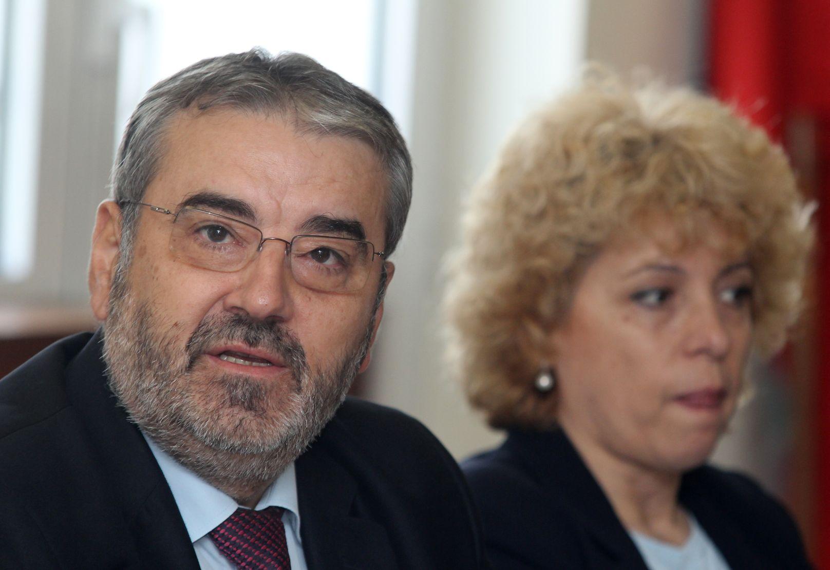 Синдикати искат уволнения в ДКЕВР и проверка от ДАНС