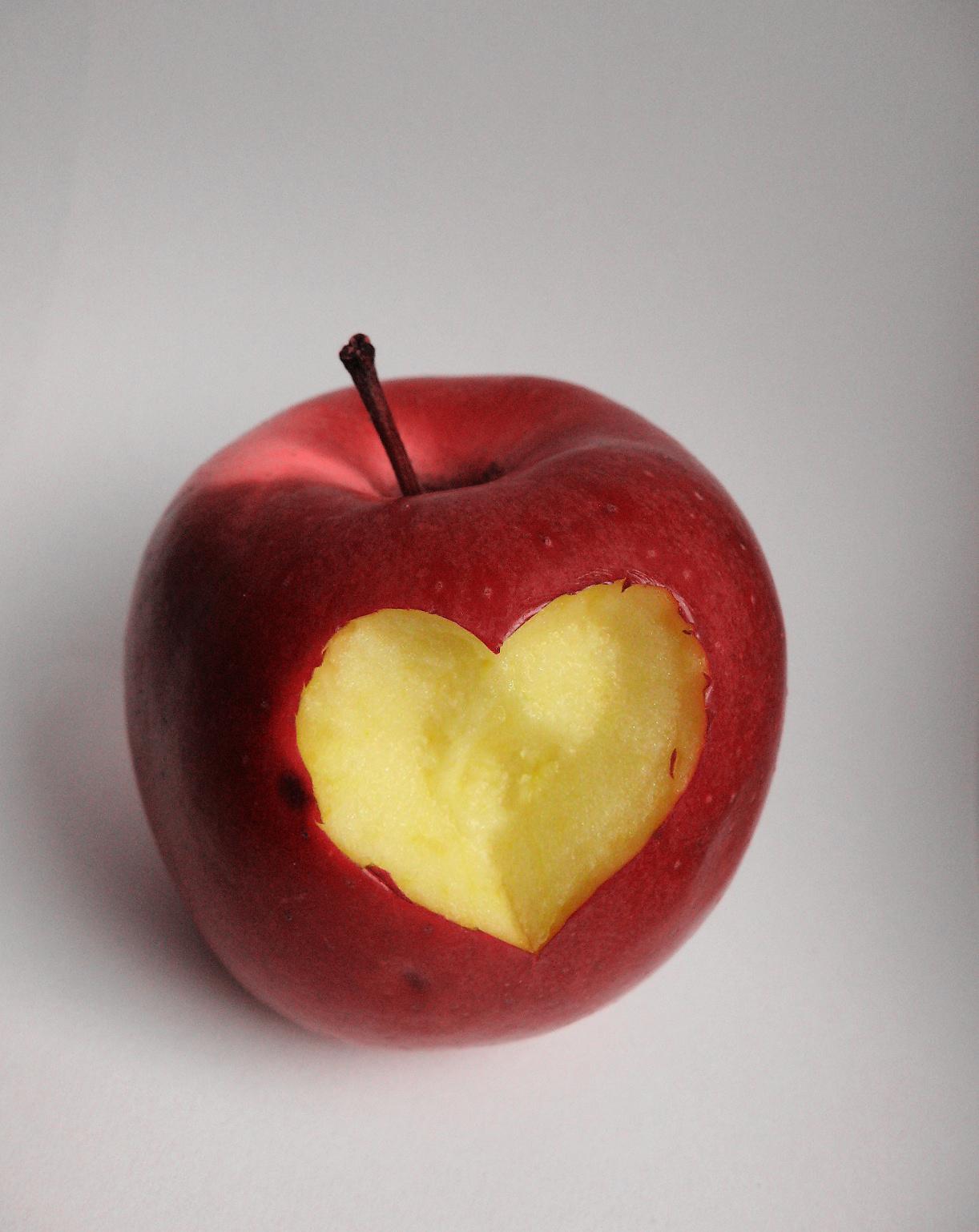 Ябълките помагат да спрете цигарите