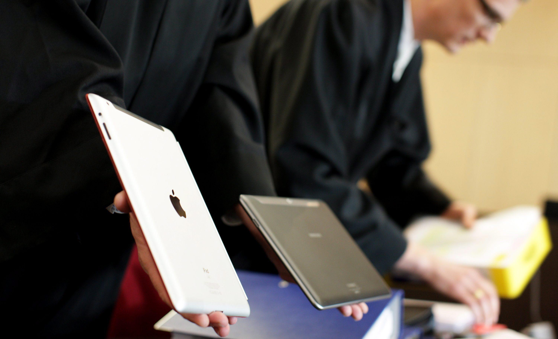 Apple иска още $700 млн. от Samsung