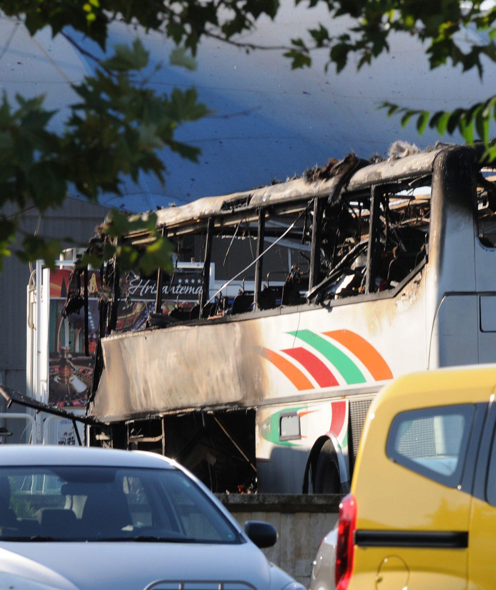 Автобус с израелски туристи е взривен на летището в Бургас
