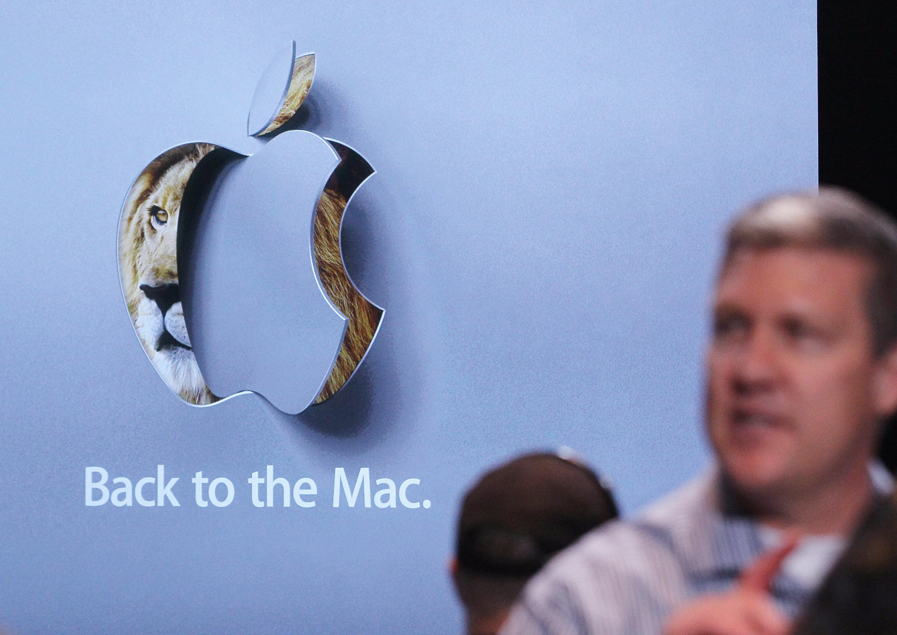 """Новата ОС на Apple """"изсмуква"""" батерията"""