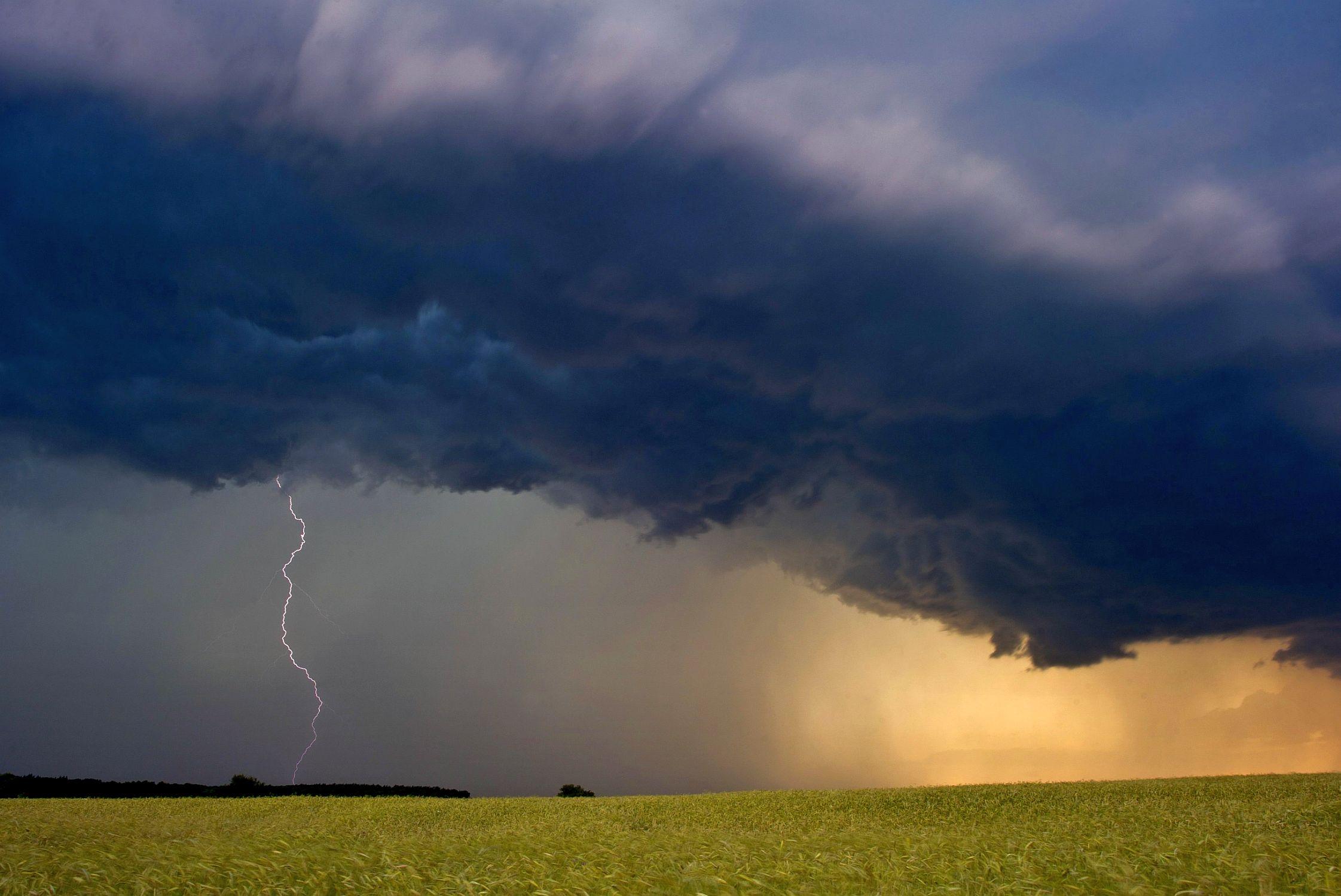 7-дневна прогноза: затопляне и пролетни дъждове