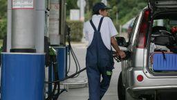 Бензинът  е добавил 32 ст. към цената си за 6 месеца