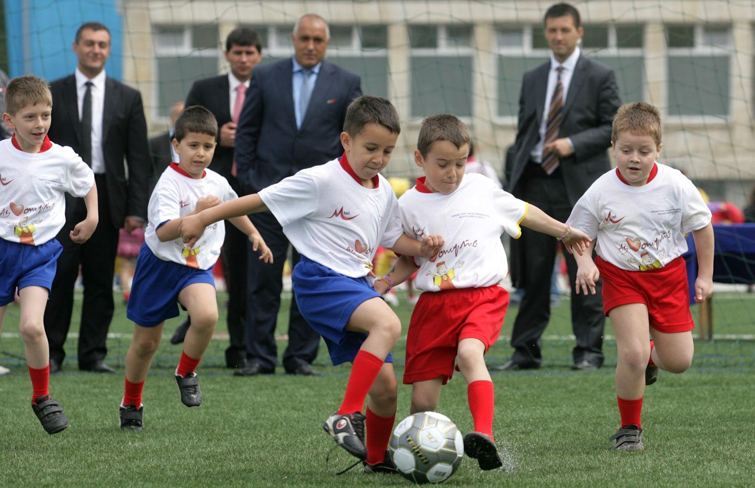 С какво помага спортът в ранна възраст