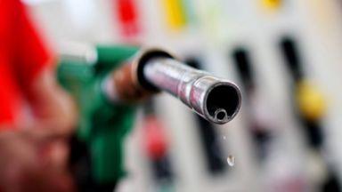 Българите и евтиният нефт