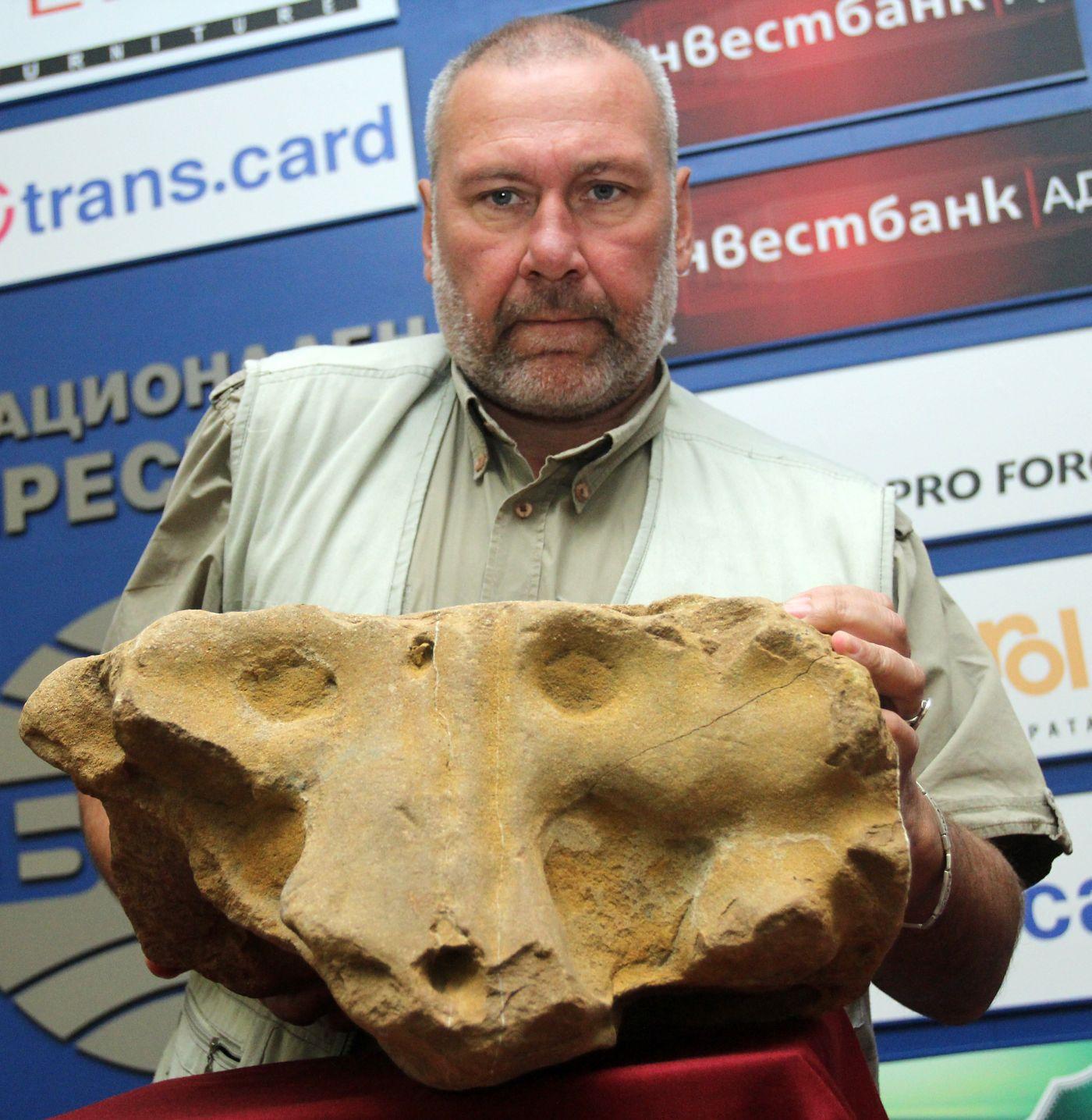 Археолози откриха скулптура на лъвска глава от времето на Троянската война