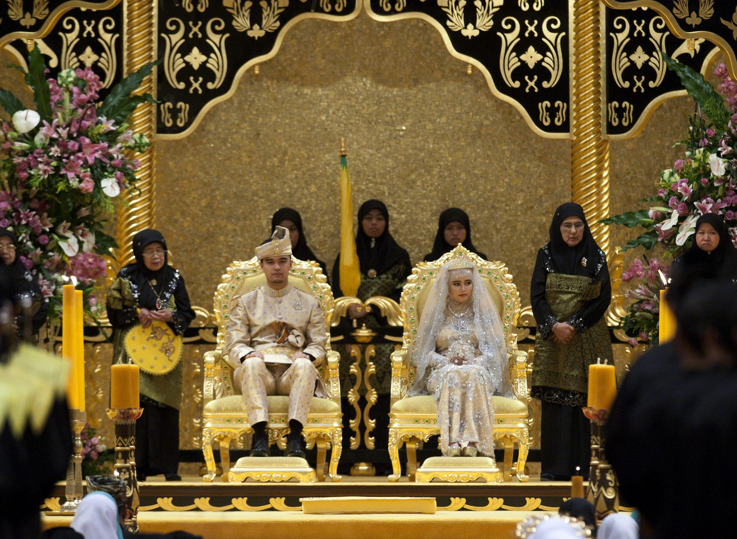 Пищна кралска сватба в Бруней