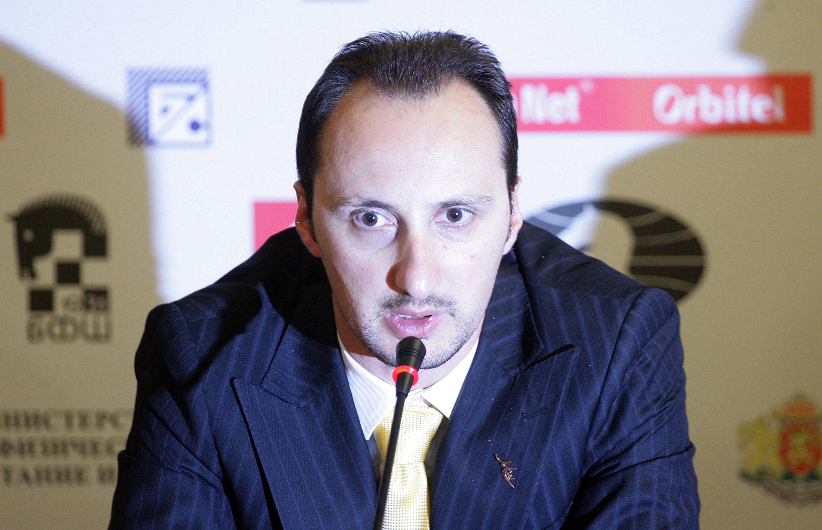 Топалов завърши реми в шестия кръг