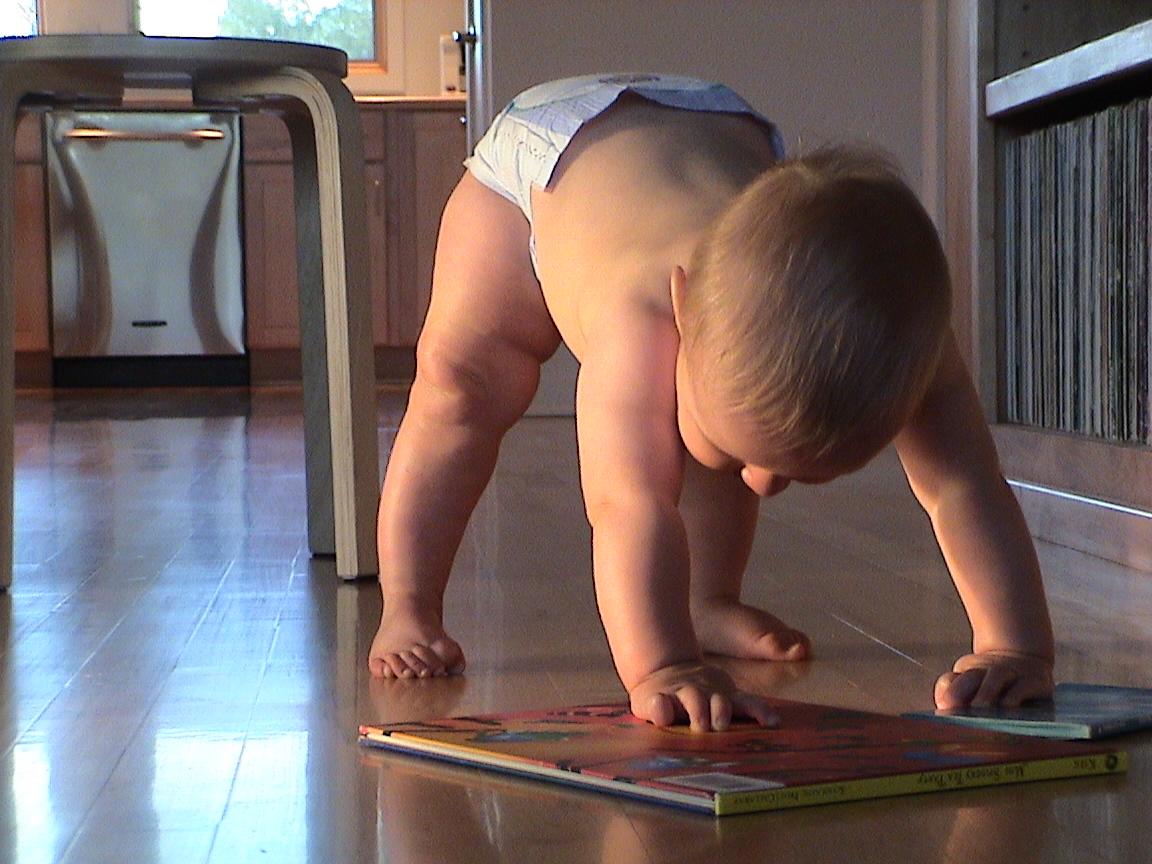 Идеално чистите домове предизвикват опасни алергии при децата