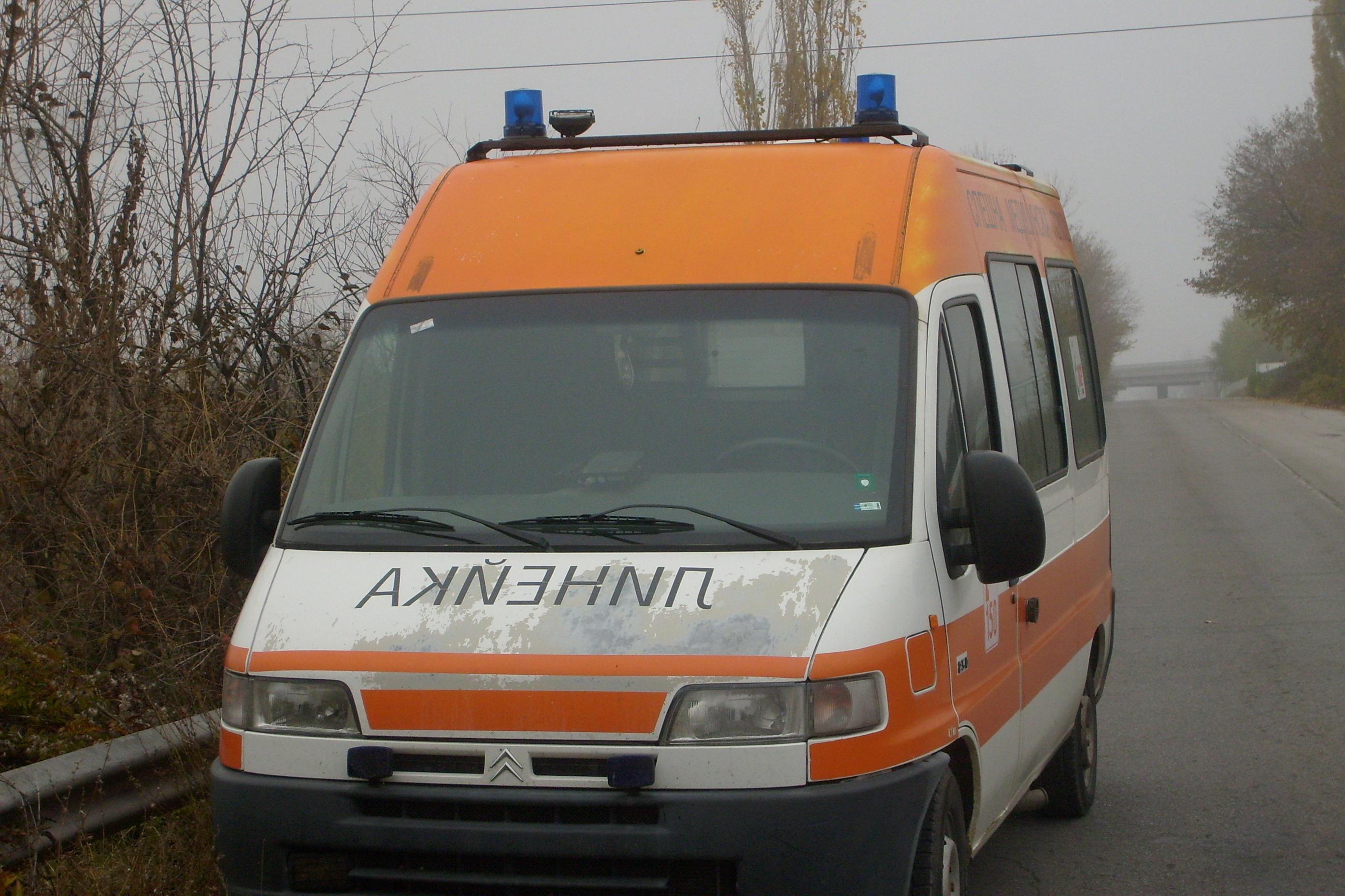 Ученичка скочи от прозорец на училище в Шумен