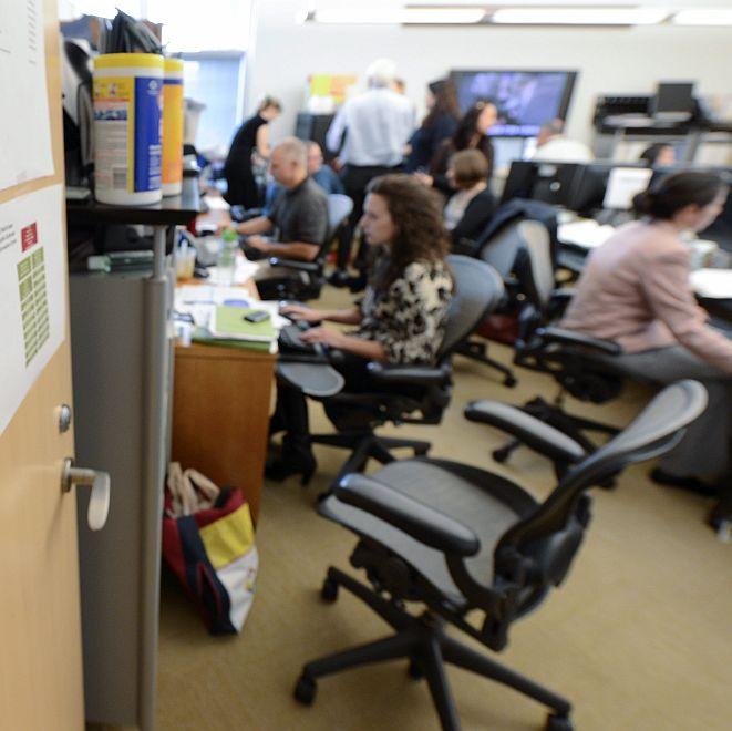 Подреденото бюро помага за успех в службата