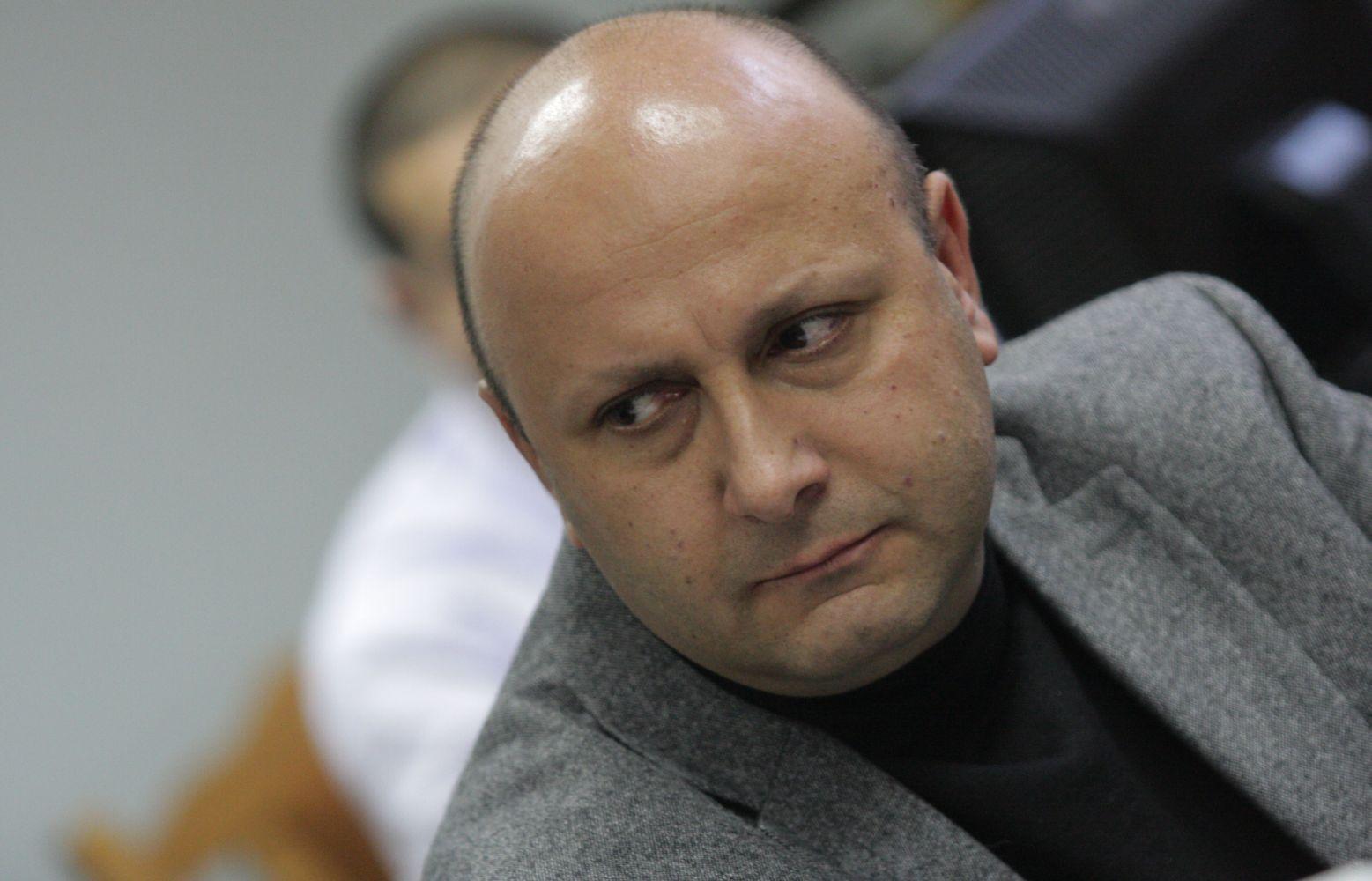Издирват сина на Миньо Стайков за измами, магистрат издавал информация