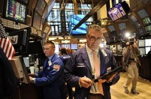 Инвеститорите залагат на акциите, еврото и петрола