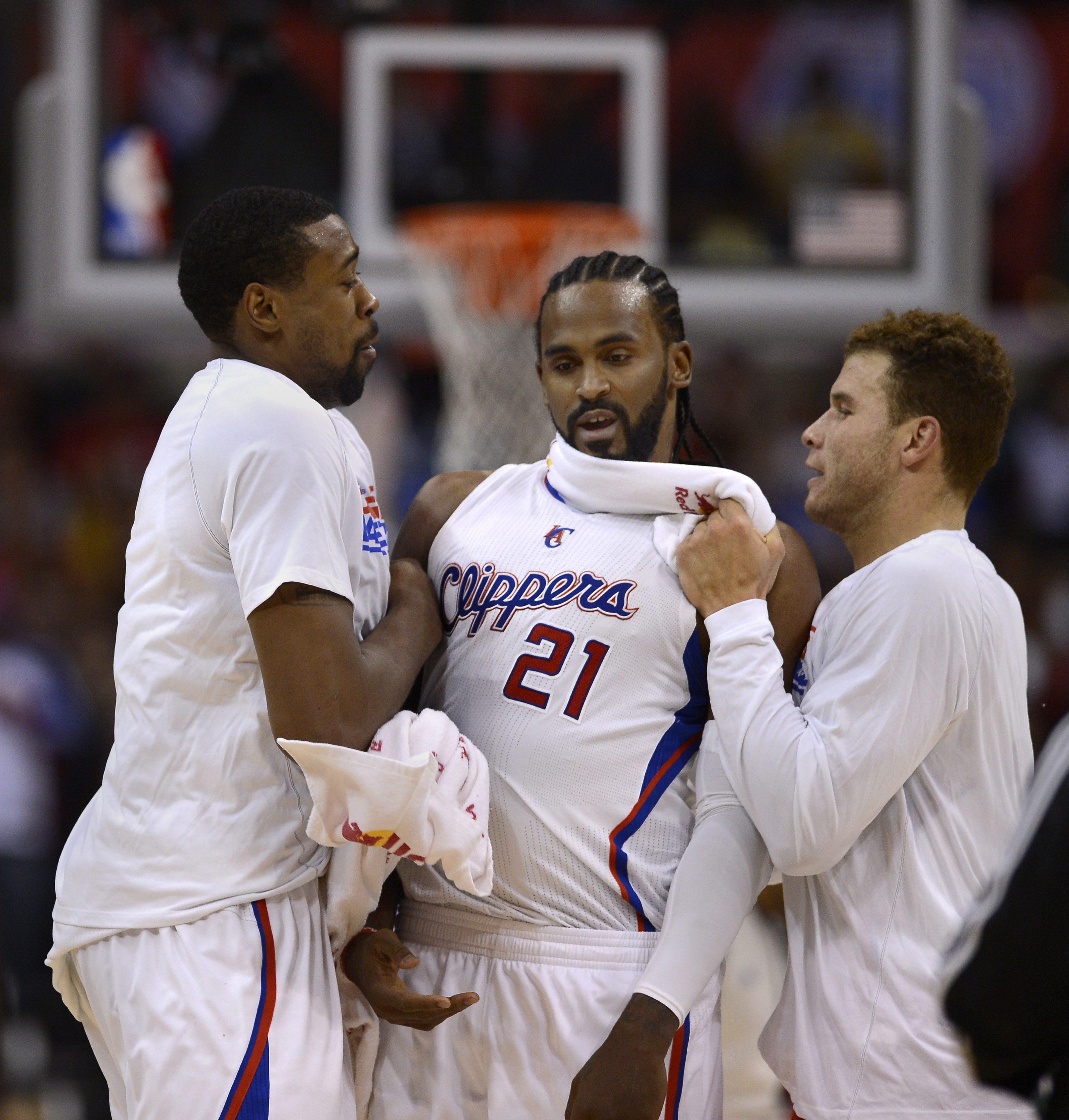ЛА Клипърс постигна клубен рекорд в НБА с 13 поредни победи