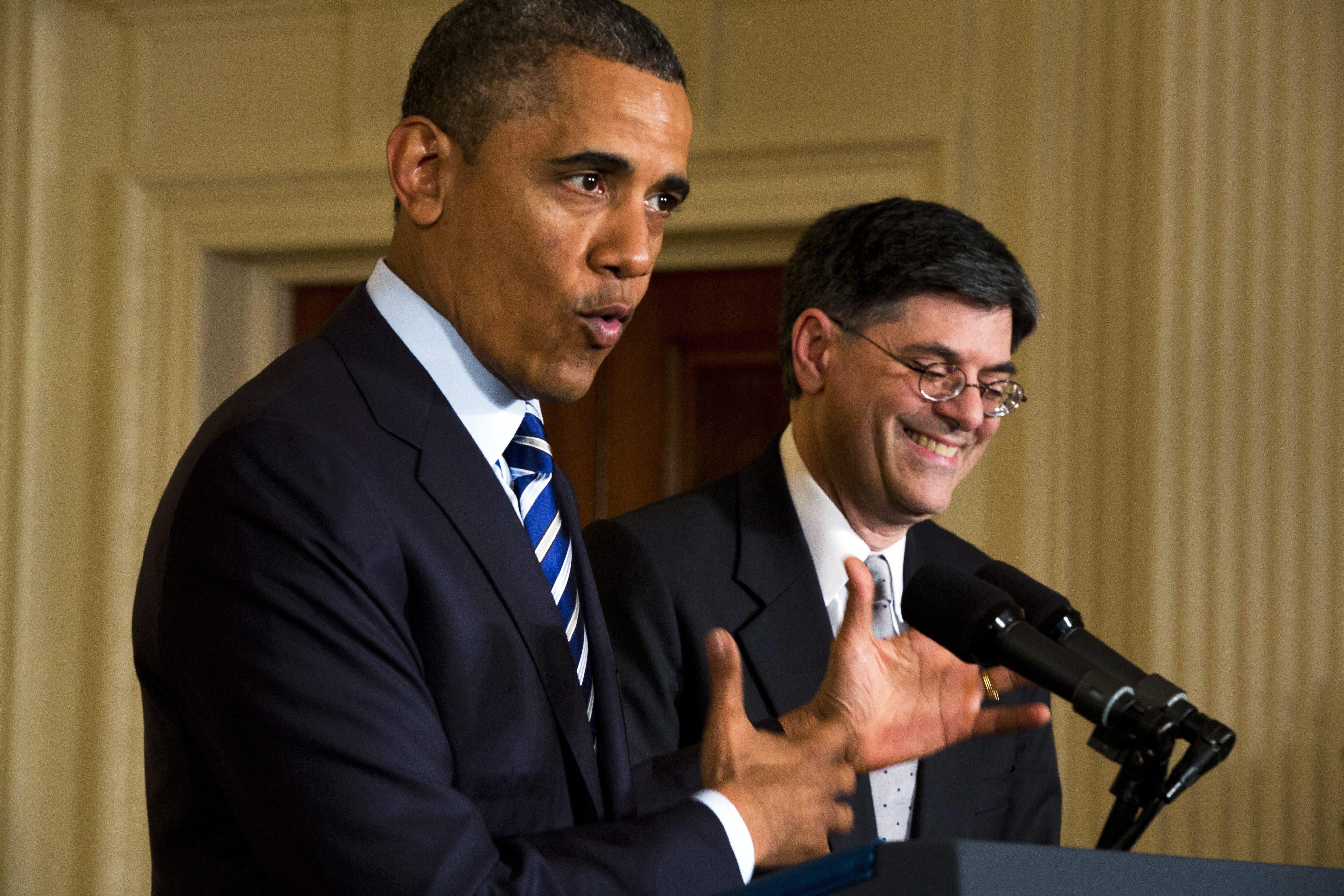 Обама назначи Джак Лю за финансов министър, шегуват се с подписа му