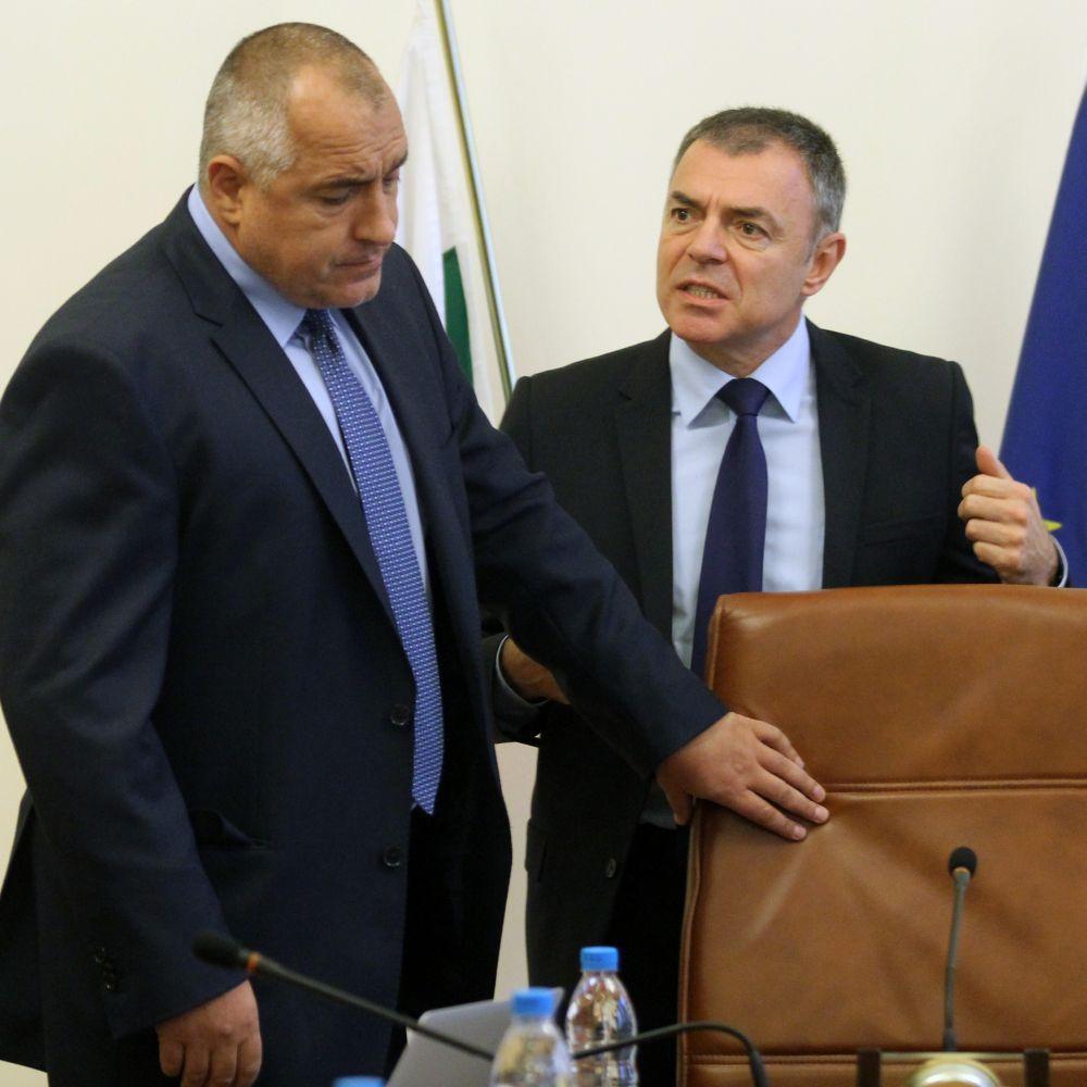 Сергей Игнатов и Ангел Семерджиев подадоха оставки, Борисов ги прие