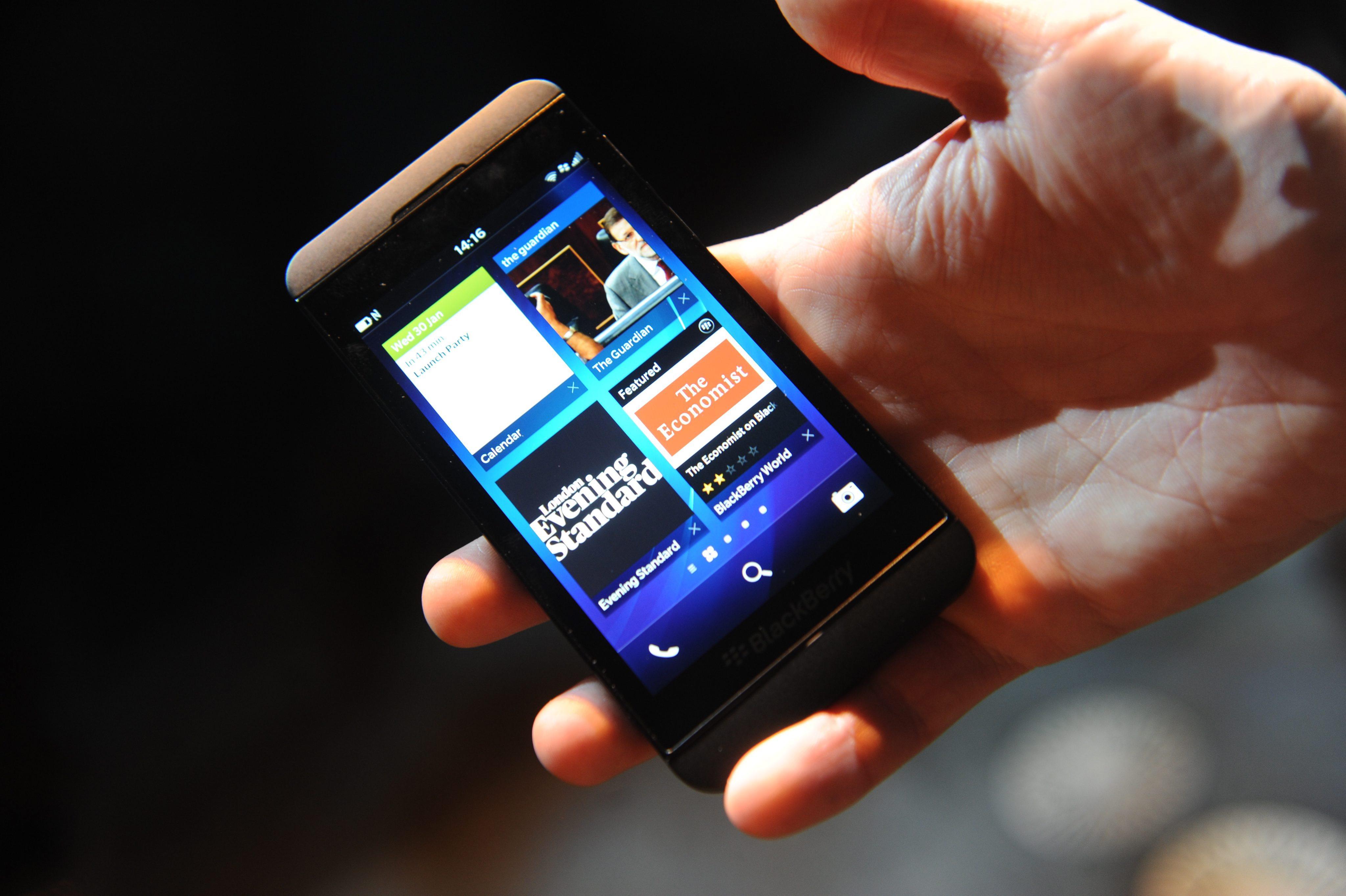 Консорциум купува BlackBerry за $4,7 млрд.
