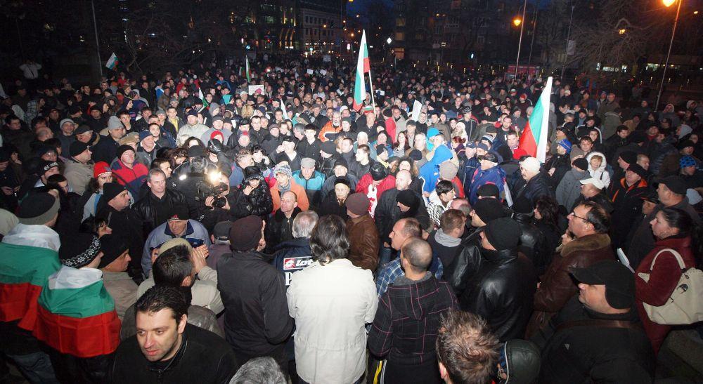 Оставката на Бойко Борисов не може да бъде заради протестите
