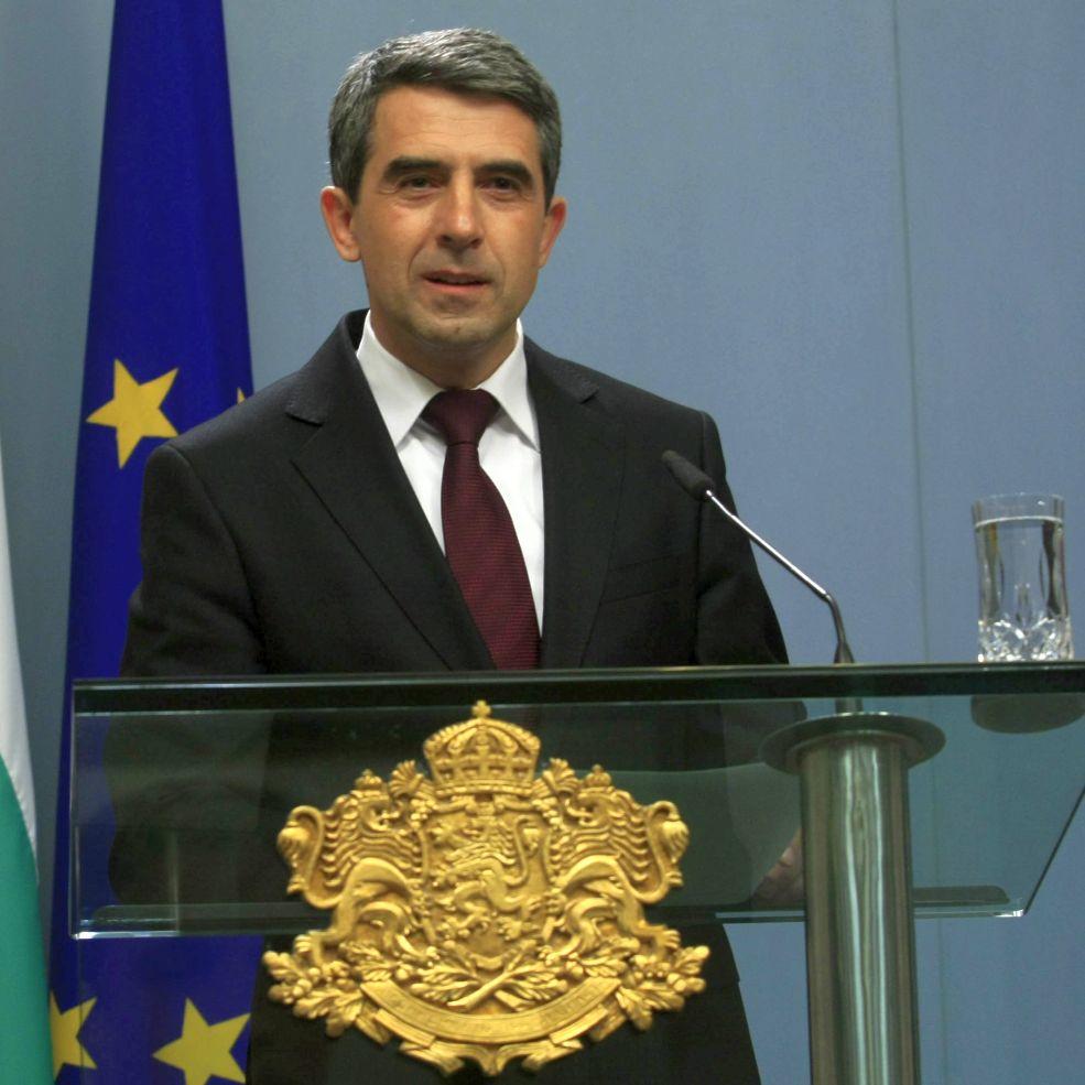 Плевнелиев упрекна Борисов за оставката
