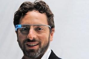 Google търси доброволци за тестове на очила с камера и интернет