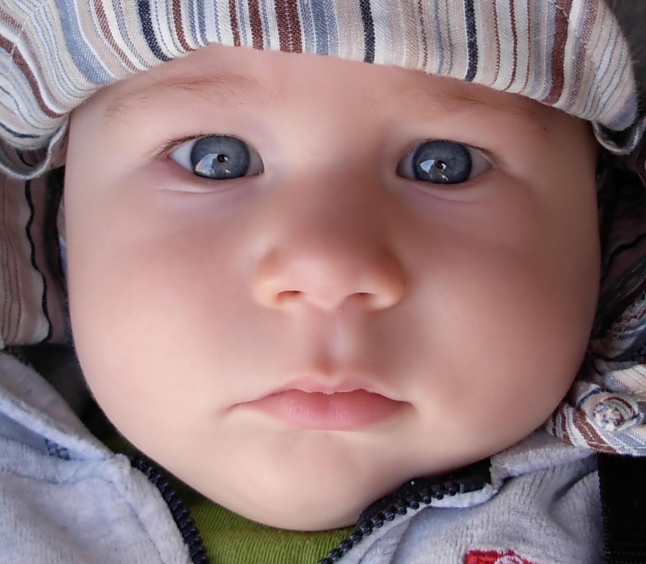 Бебетата показват социални предпочитания веднага след раждането