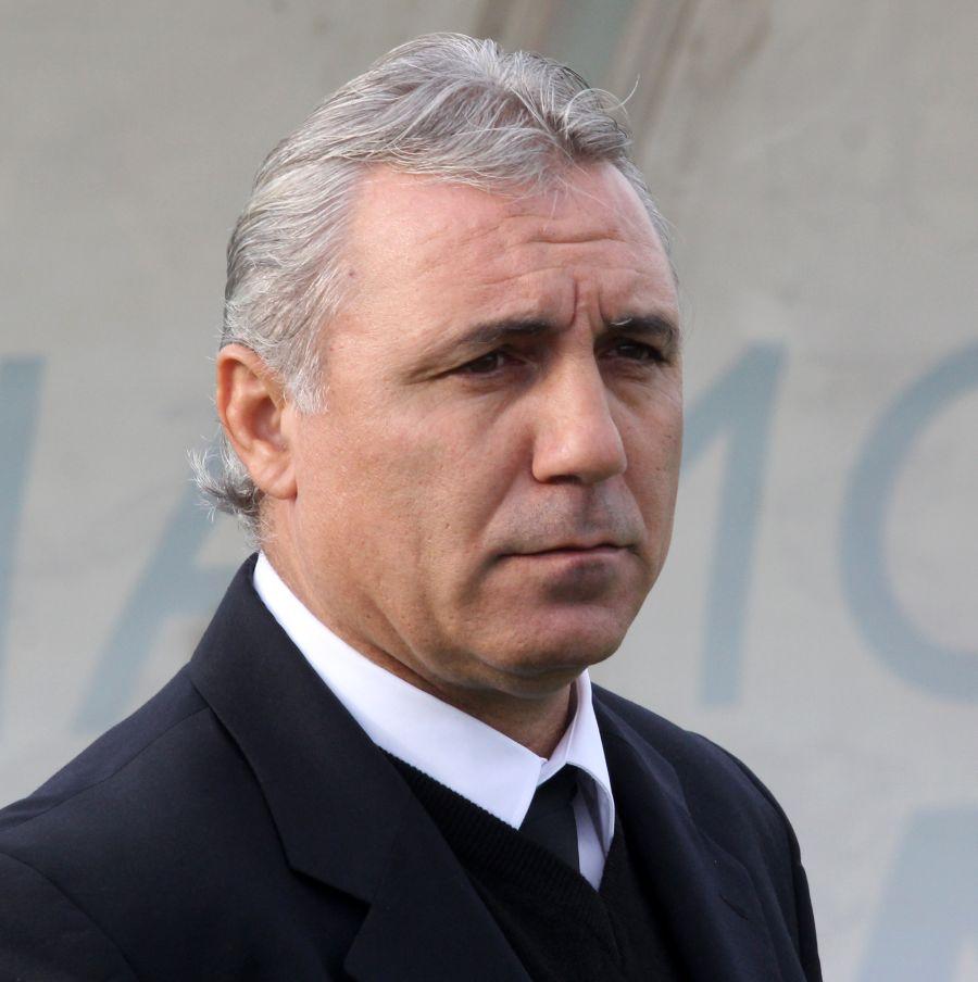 """Христо Стоичков готов да поведе студентите, ако не му """"цапат името"""""""