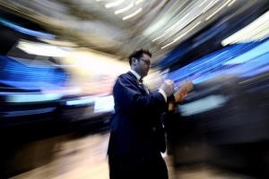 Пазарен скок в Токио, доларът поскъпва