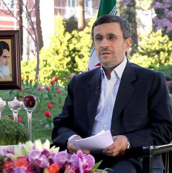 Какво е намислил Ахмадинеджад?