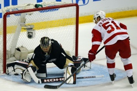 Анахайм, Чикаго и Сейнт Луис поведоха в плейофите на НХЛ