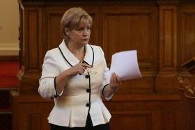 Менда Стоянова не е оптимист, че може да има дългосрочно поевтиняване на тока