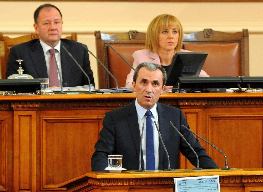 Орешарски: Кабинетът не е обвързан с олигархични кръгове