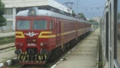Новите влакове на юг със 160 км/ч, старите на север