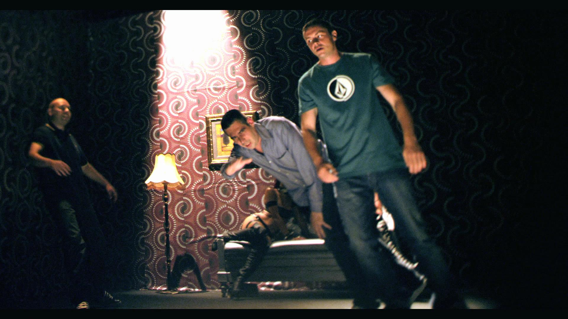 Ъпсурт представиха ново видео в стил Дейвид Линч