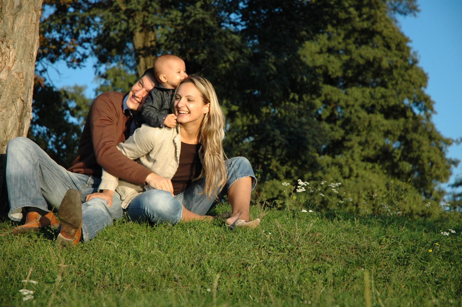 За тайната на осиновяването и самоличността