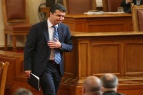 Концесионерът на мини Ораново е действал незаконно, обяви Стойнев