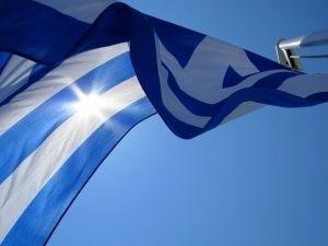 Спасителната помощ за Гърция вещае нова драма