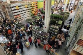 Задължиха чешките магазини задължително да даряват непродадени стоки